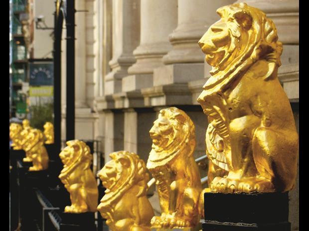 Chancery lane lions